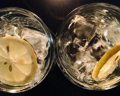 Wodka Soda auf Eis