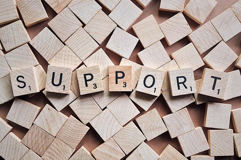 Wort Support auf Scrabble Steinen