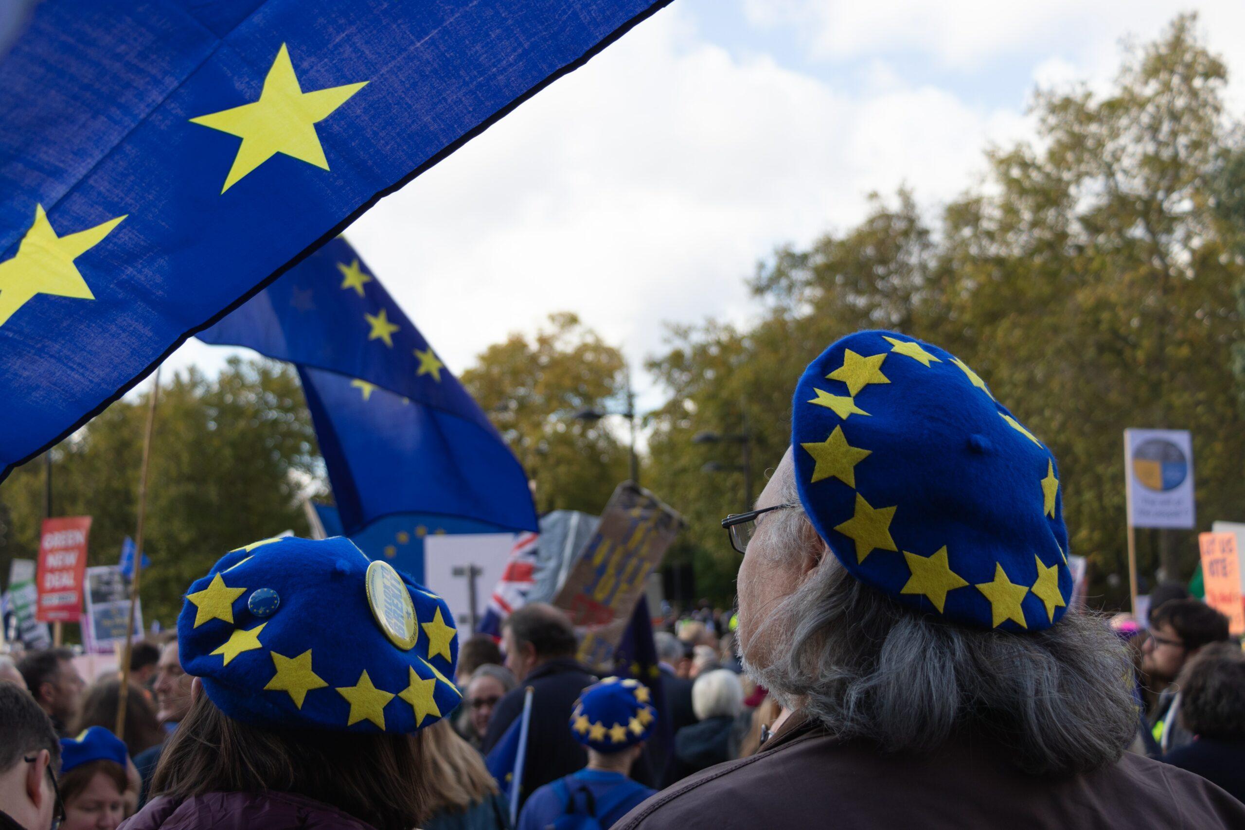 Menschen mit EU Hauben